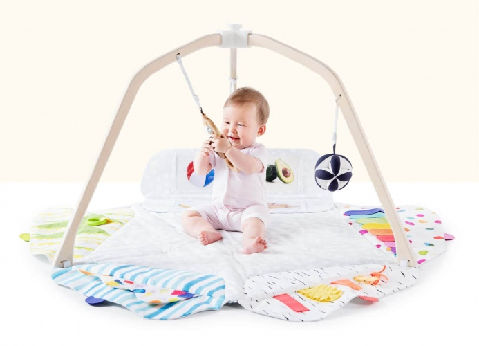 Play Gym is designed to offer new types of stimulation for the baby at the each step of development.