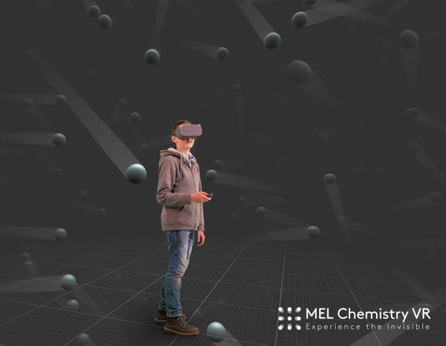 The learner can observe the environment in VR, while the teacher can control, how the lesson progresses.