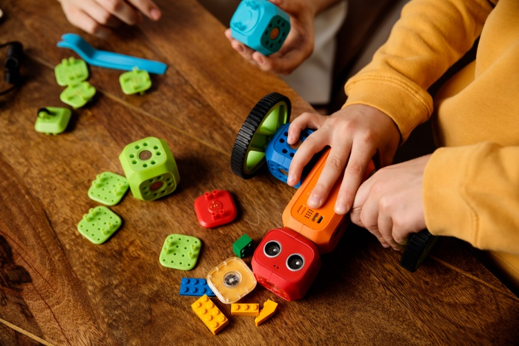 The modules are easy enough for kids to build independently